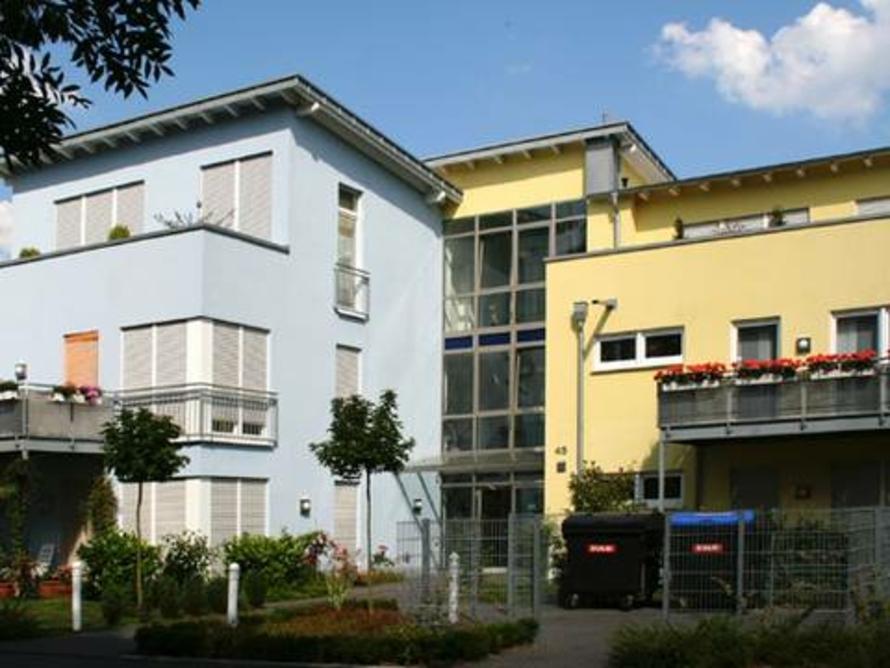 14-Familienhaus mit Tiefgarage.