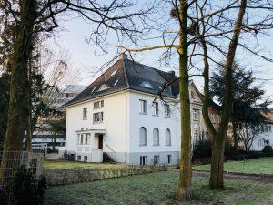 Denkmahlgeschütztes Stadthaus aus dem Jahre 1892 an den Ringanlagen in der Hammer Innenstadt.
