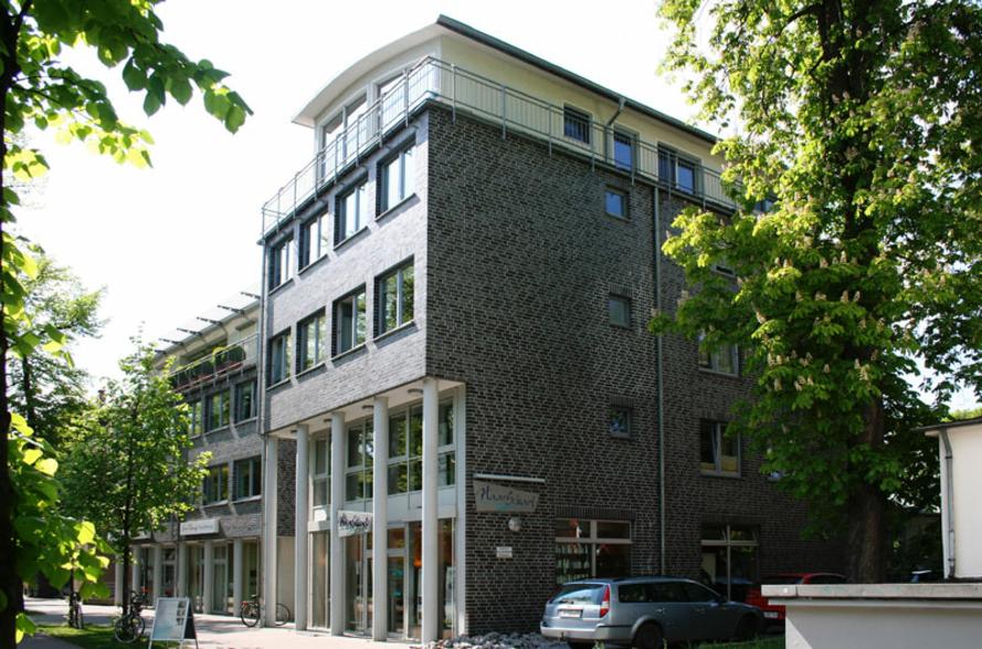 mehrfach ausgezeichnete Wohn- & Geschäftshaus